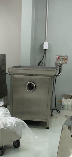 Almost New commercial grinder/meat grinder