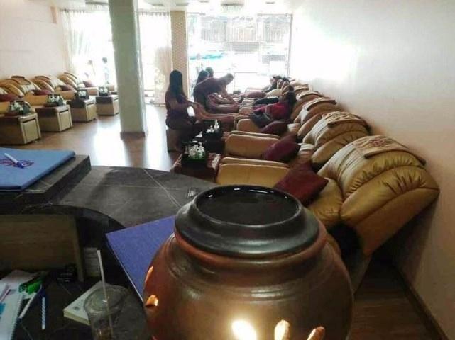 Pattaya Center Double Unit Massage Shop