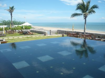 1 BR Corner Unit Condo with direct Access to Pool at Boathouse Hua Hin