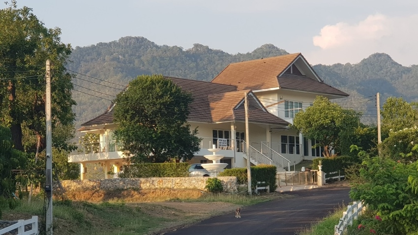 Khao Yai: 4 BR detached house (incl 2 BR SpaHouse) - Chanot
