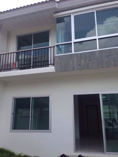 MT-0144 - Town house for rent with 3 bedrooms, 2 bathrooms, 1 kitchen