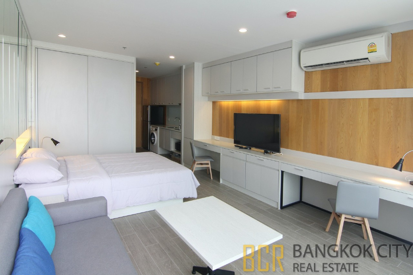 Noble Revo Silom Luxury Condo Studio Unit for Rent/Sale - HOT PRICE
