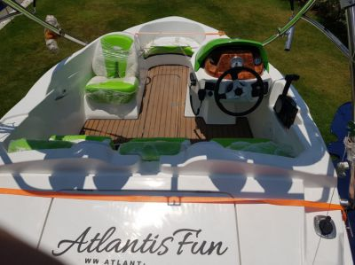 ATLANTIS boat with trailer and acc