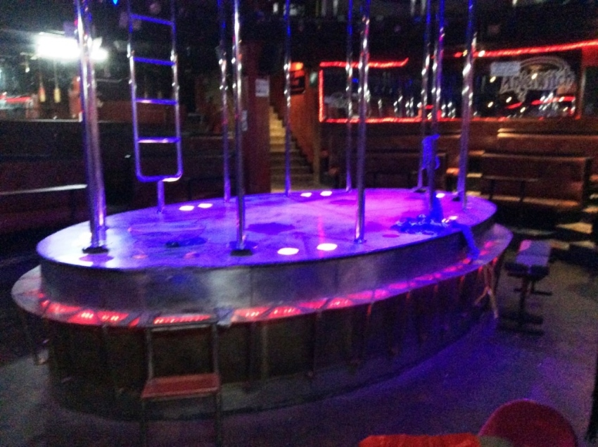 Pattaya Off Walking Street Large Go-Go/Disco for Rent