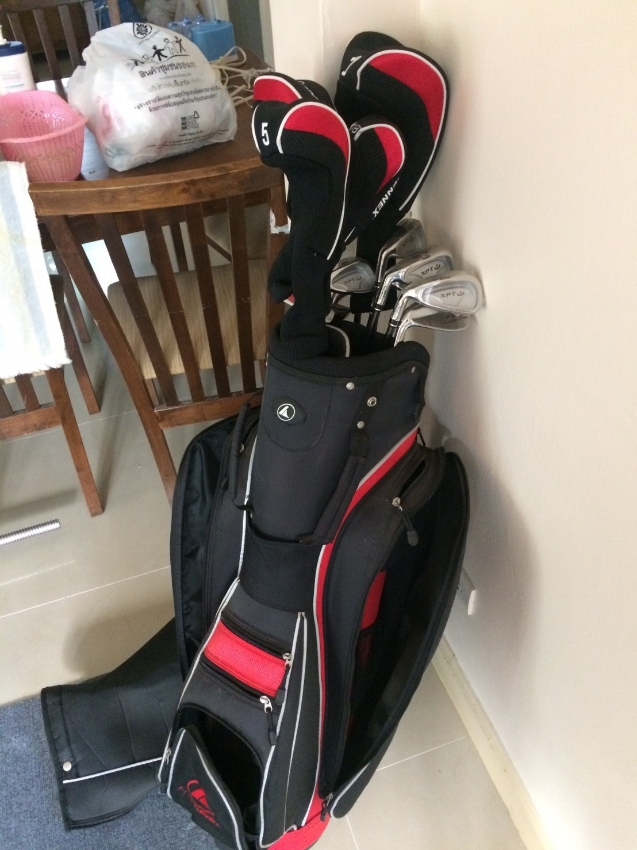Nearly New Left Handed Golf Clubs Sporting Equipment