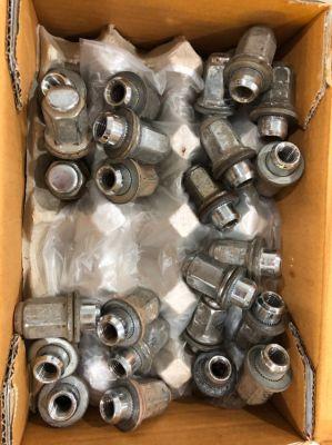 Original TOYOTA Hilux / Vigo Genuine Wheel Nuts (24 pcs.)