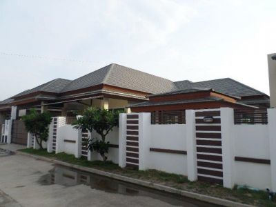 Huay Yai Pool Villa in gated community