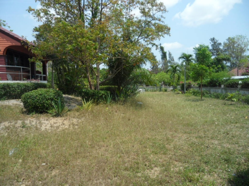 2 Large 3 Bed Houses, both on 300+ Twah for Sale