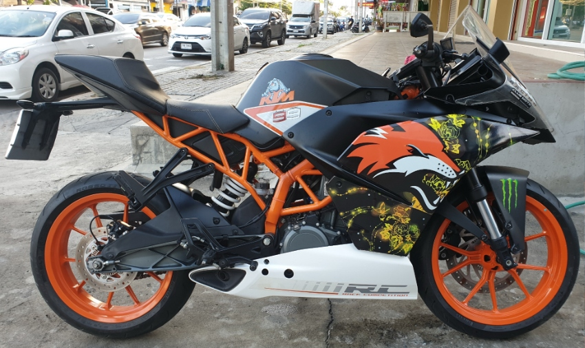 KTM RC 390 (4,586 km)  100,000 OR BEST OFFER