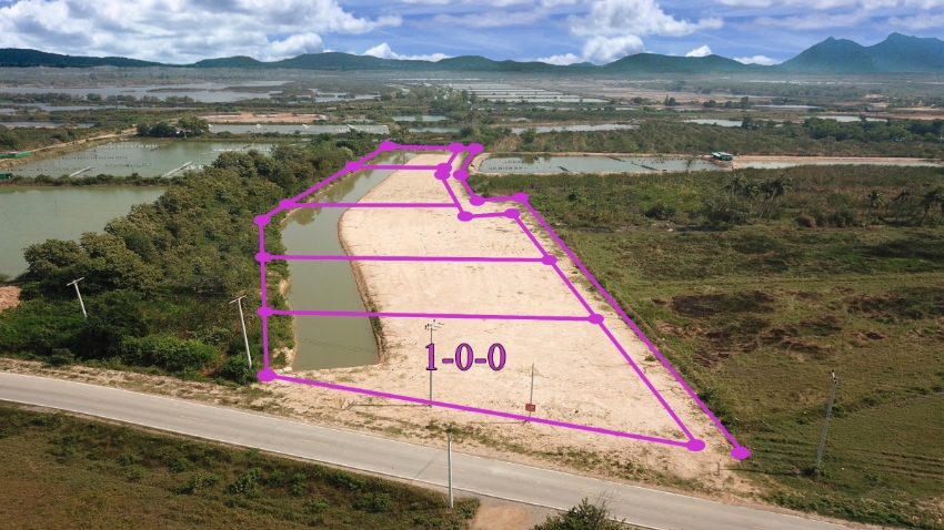 Plot 1 rai with waterway for sale in Pranburi
