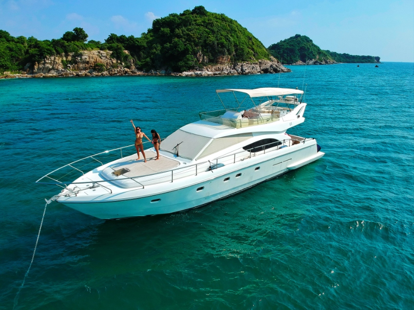 Yacht Partner wanted, Ferretti 53 ft Flybridge,  Pattaya Ocean Marina