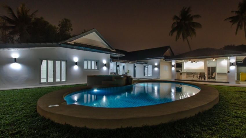 Modern LUXURY Villa for sale East Pattaya ( 8.495.000 )