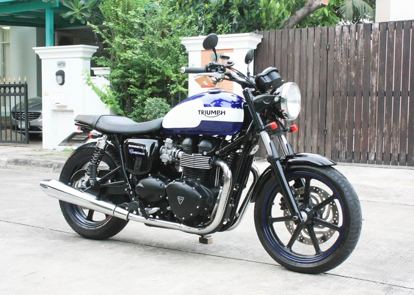 [ For Sale ] Triumph Bonneville Newchurch 2015 only 4000km best condit