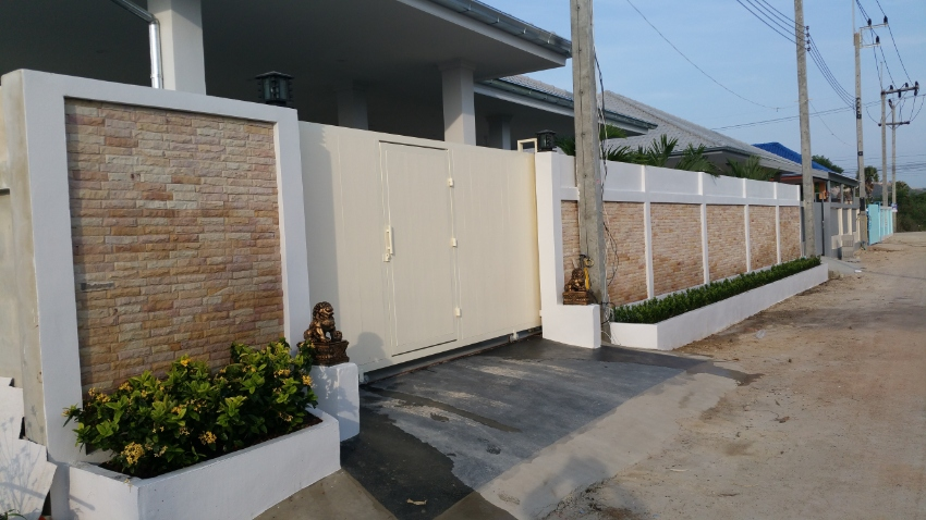 Pool villa for sale in Cha Am