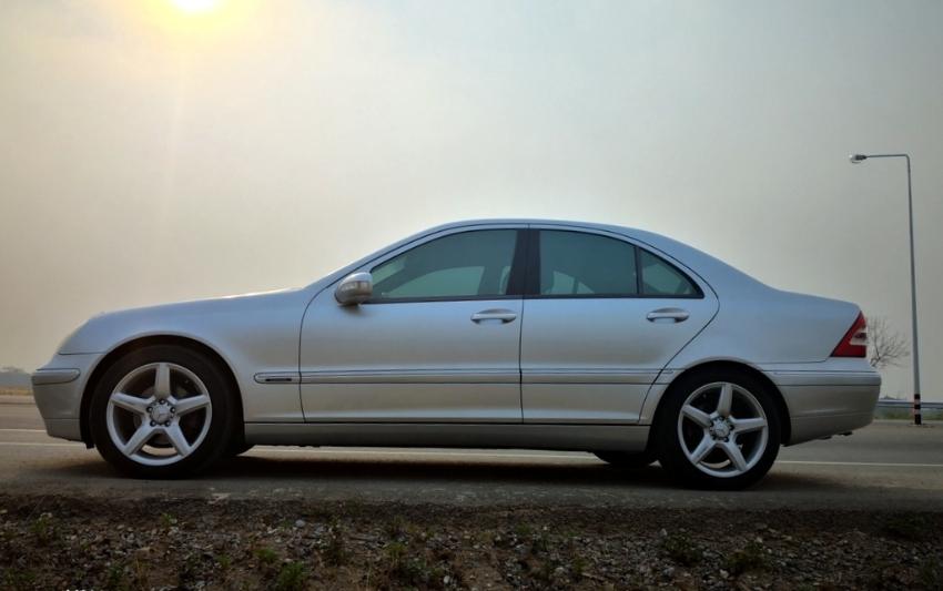 Mercedes Benz C 200 Compressor Elegance Full option - like new
