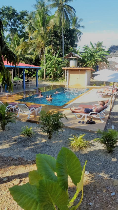 SMALL RESORT WITH SWIMMING POOL IN KOH LANTA