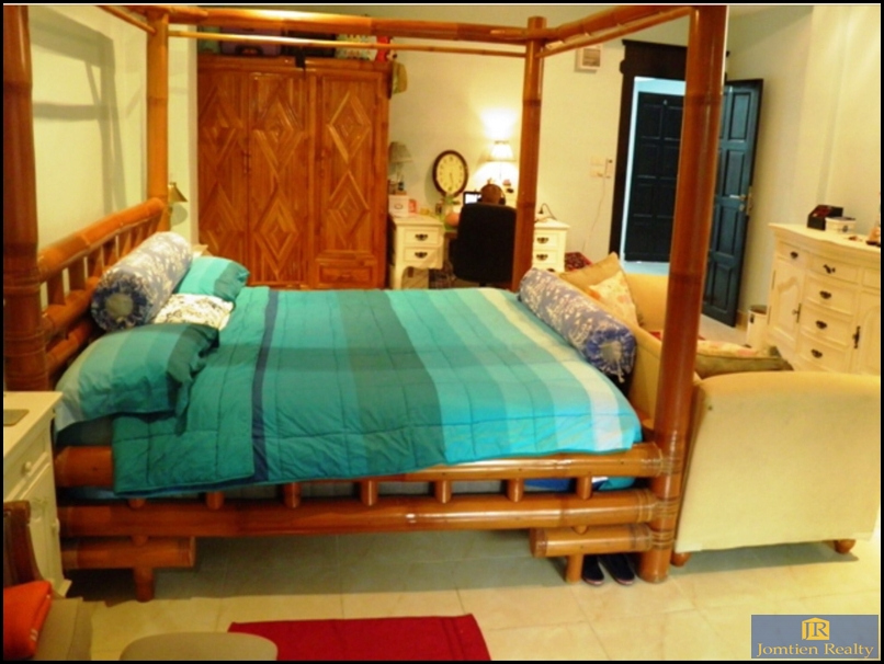 Beautiful Renovated 2 Shop Guest House and Restaurant for Sale Jomtien