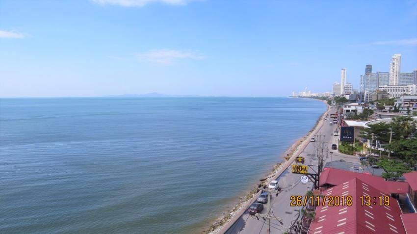 Beachfront Condo in Jomtien Pattaya for Sale!
