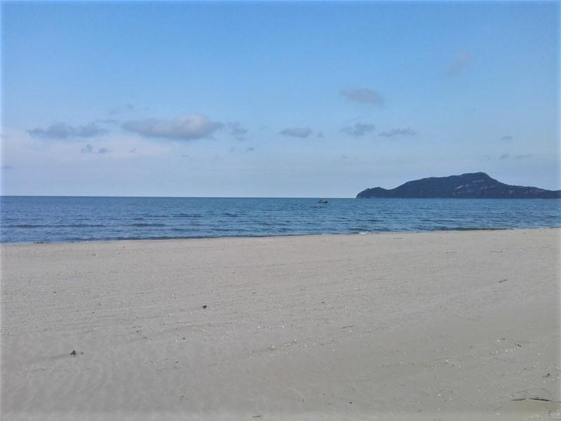 Beautiful Pranburi Dolphin Bay Beachfront Land Plots