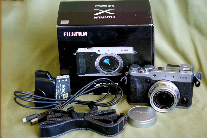 Fuji X30 Fujifilm X Series Digital Camera in Box