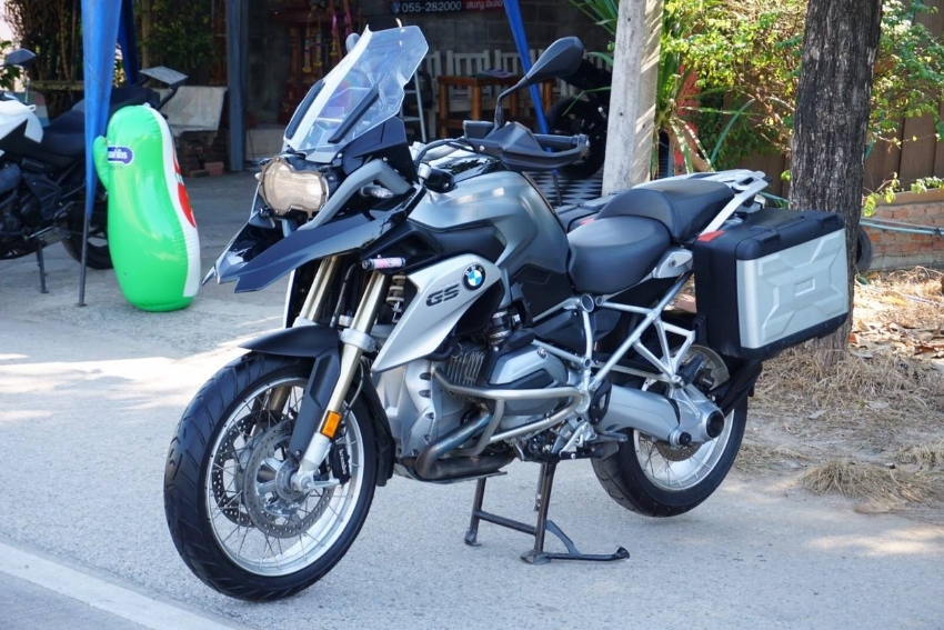 BMW 1200 GS - only collecting dust !