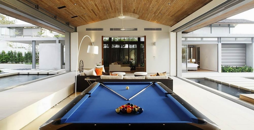 Pooltables 8,9 ft Free Delivery in Thailand & Full Accessories