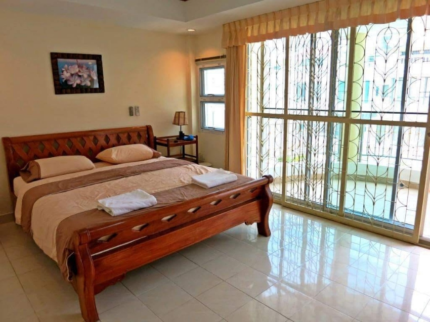 Royal Belleview Penthouse For Sale and For Rent in Cosy beach 7.5 M