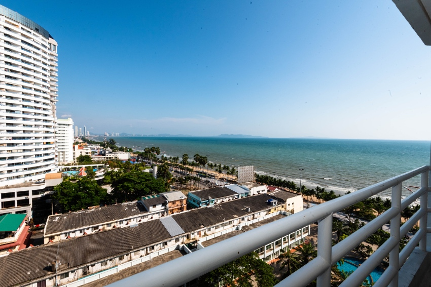 View Talay 7, new condo for rent with sea view