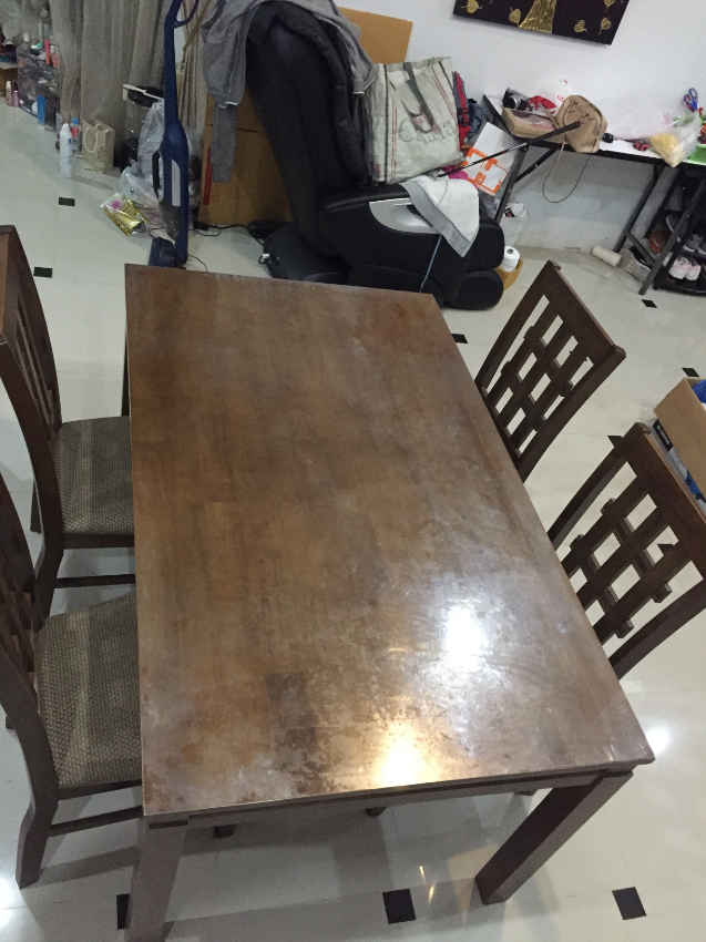 table for sale. excellent condition. no damage