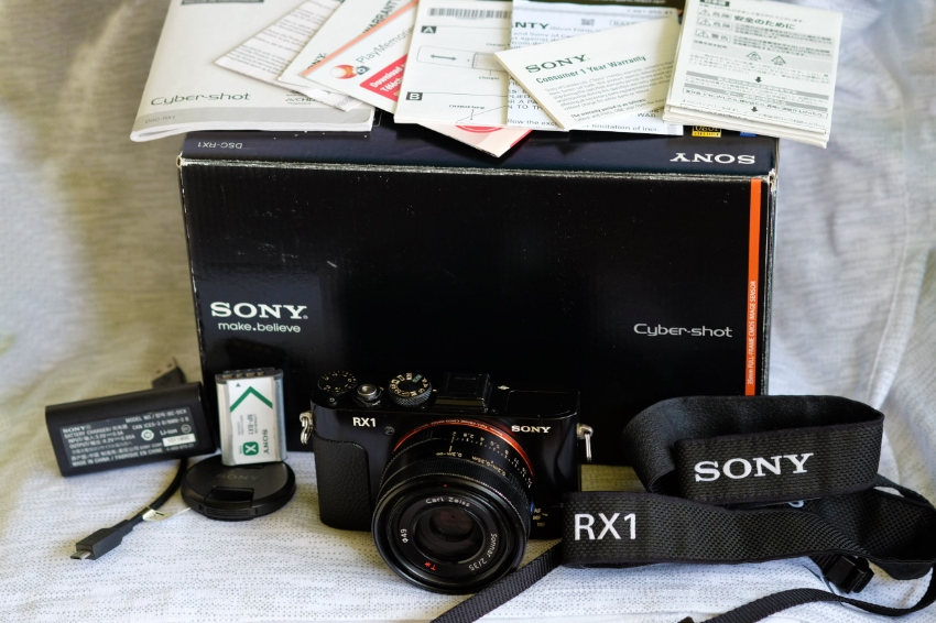 Sony RX1 Professional Compact Camera w/35mm full-frame Sensor