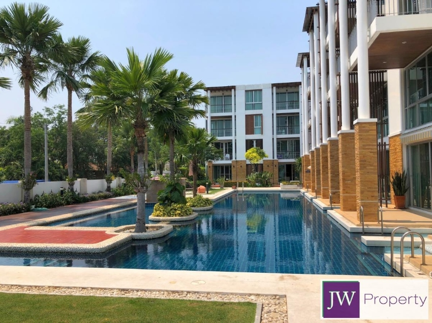 Excellent value ground floor 2 bed condo on Cha Am beachfront