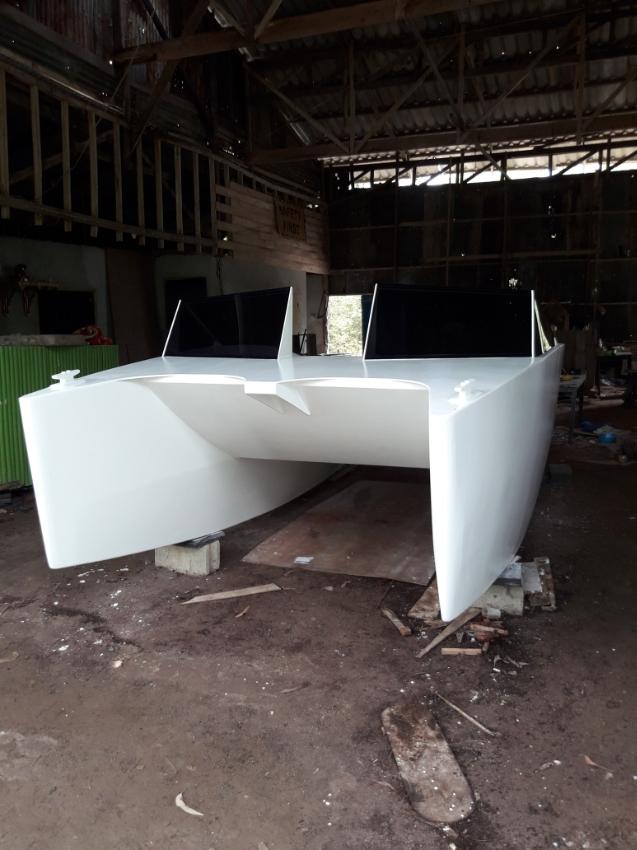 catamaran hull