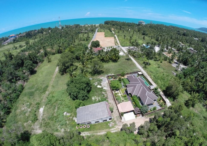 Land at walking distance from Khanom beach