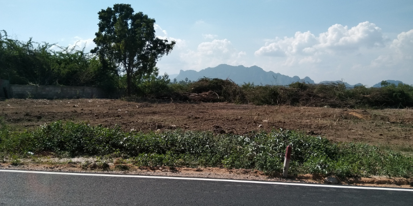 LAND FOR SALE, CHA AM NORTH 300m to Beach appr. 200 TW , 20000 Baht/TW