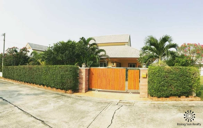 3-bedroom house for sale in Emerald Resort Hua Hin soi 112
