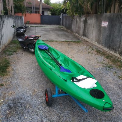 Kayak 2 pers. with 2 paddles and 2 jackets and...