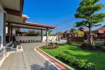 Now Reduced! New Quality Built 3 BR 2 Bath Villa In Cha-am Town Center