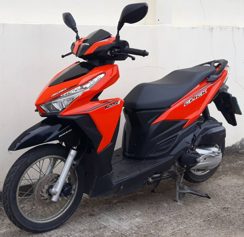 09/2016 Honda Click 125 LED 36.900 ฿ Finance