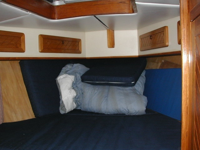 Strong fiberglass sailboat for sale, now reduced price.