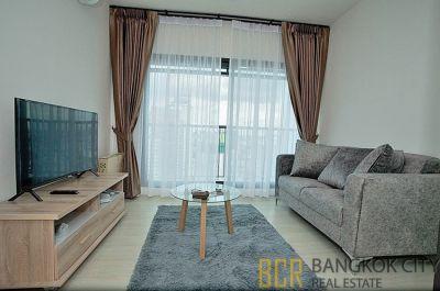 Life at Sukhumvit 48 Luxury Condo Very High Floor 1 Bedroom Unit HOT