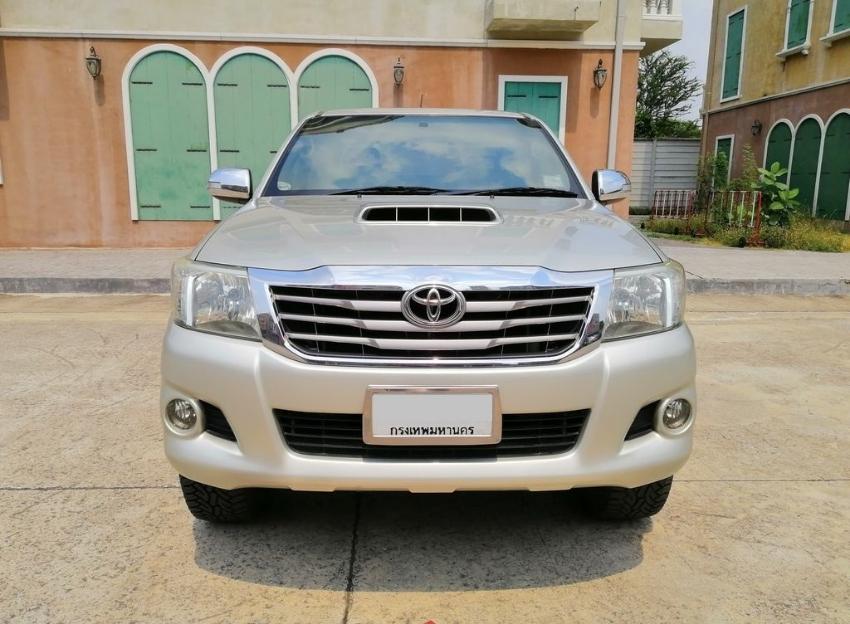2012 Toyota Hilux Vigo Champ 3.0 (G) 4x4 Double Cab MT in excellent co