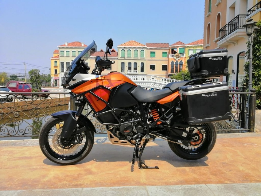 2014 KTM 1190 Adventure in Excellent Condition with extra