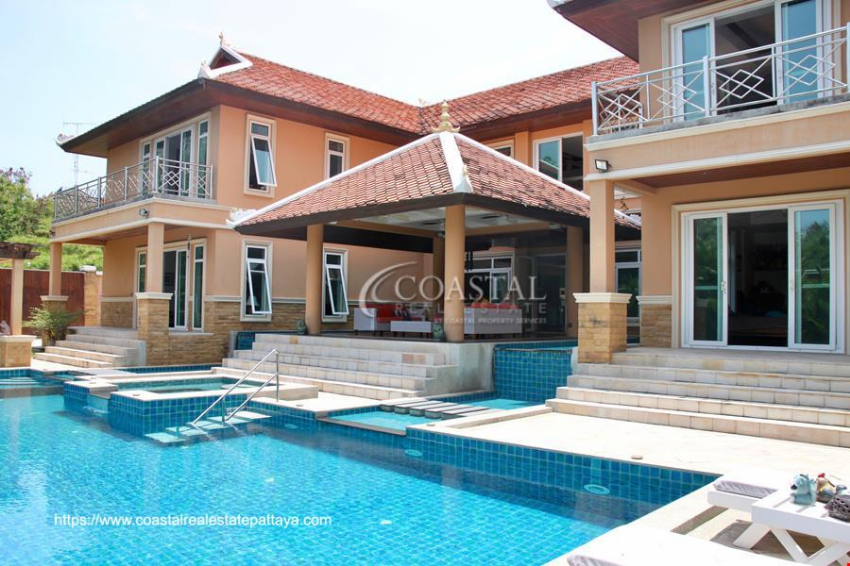 Private House for Sale in Pratumnak on 1 Rai