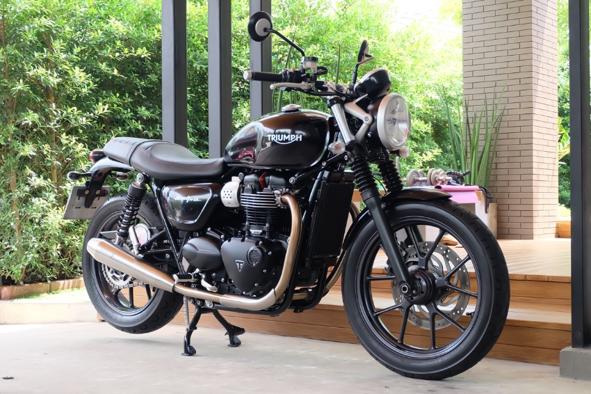 [ For Sale ] Triumph Street Twin 2016 with Vance & Hines exhaust !