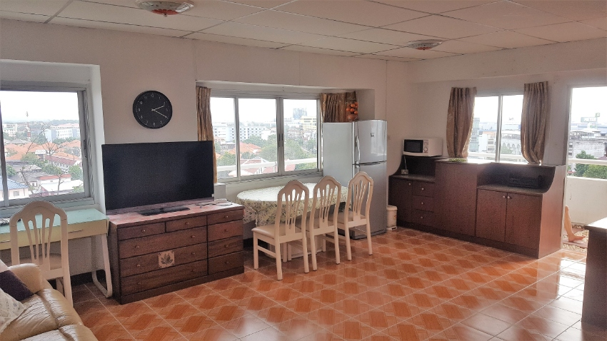 Cheap and Spacious Condo for rent