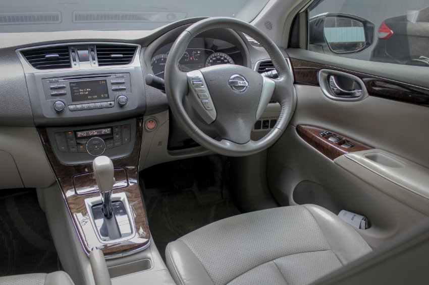 2013 Nissan Sylphy 1.8 (Year 12-16) V Sedan AT