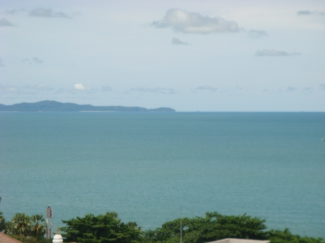 Top Floor Condo With Sea And Island Views For Rent
