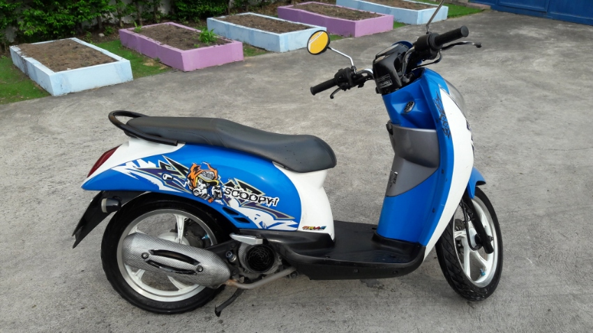 Honda Scoopy 2011 (automatic)  great condition 27390 KM