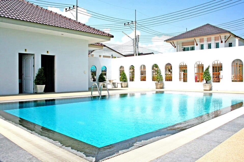 Townhouse for sale soi 94
