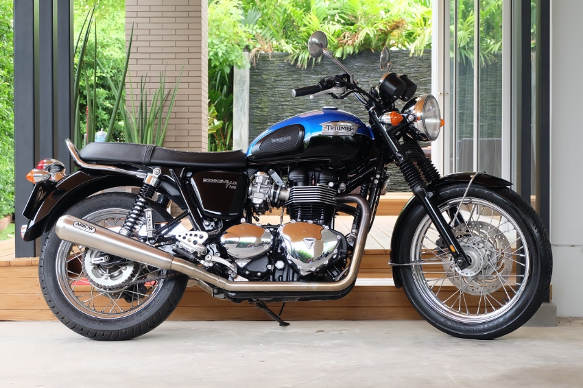 Triumph Bonneville T100 2015 with ARROW FULL SYSTEM exhaust!!